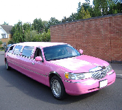 Lincoln Towncar Limos in North London